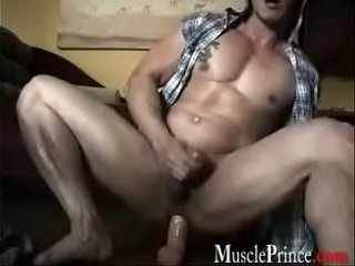 Asian Muscle Prince