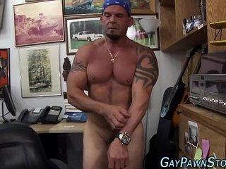Biker amateur sucks dick